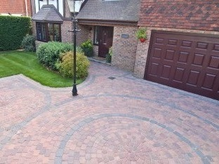 Block Paving Driveway with circular feature