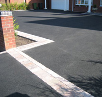 Tarmac Paving Quote - Tarmac driveway entrance with block paving border