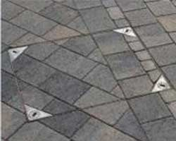 Block Paving with recessed manhole cover
