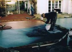 Applying antique release agent to concrete surface