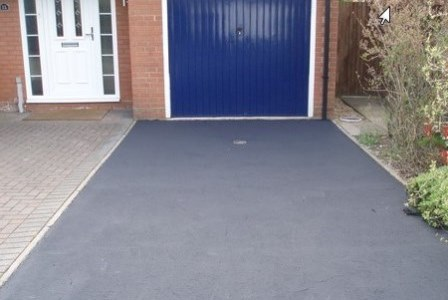Tarmaseal™ applied to a Tarmac™ Driveway