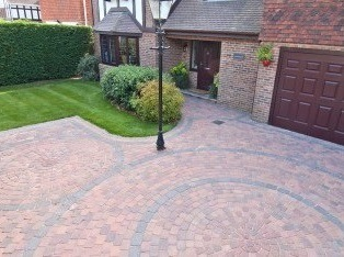 Block Paving Driveway with circular features